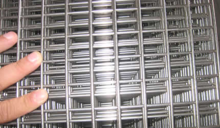 The main material of stainless steel welded mesh panels are mild ...